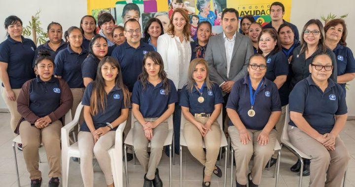 Recibe DIF Tamaulipas redondeo de S-Mart para apoyar a personas con estrabismo