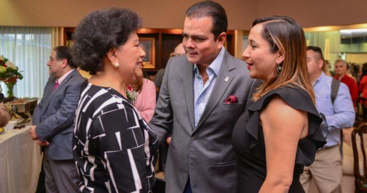 Reunión de despedida para cónsul de México en Laredo