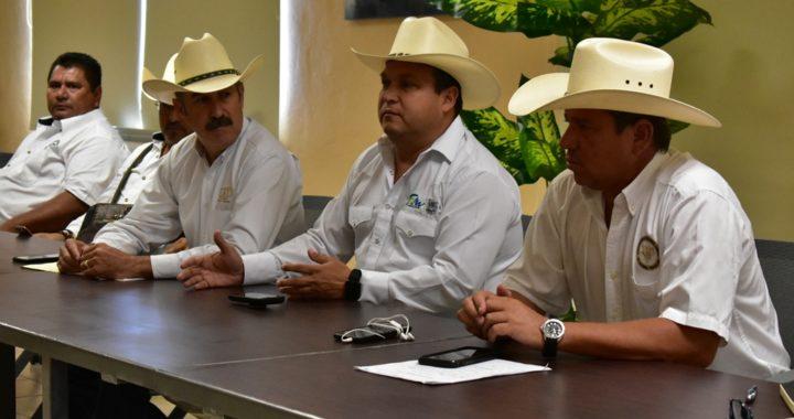 Gobierno del Estado establece acuerdos para erradicar el problema de la garrapata bovina