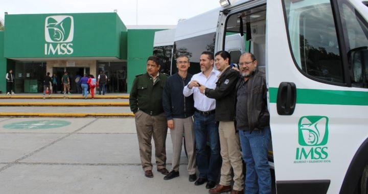 Fortalece IMSS parque vehicular con tres nuevas ambulancias