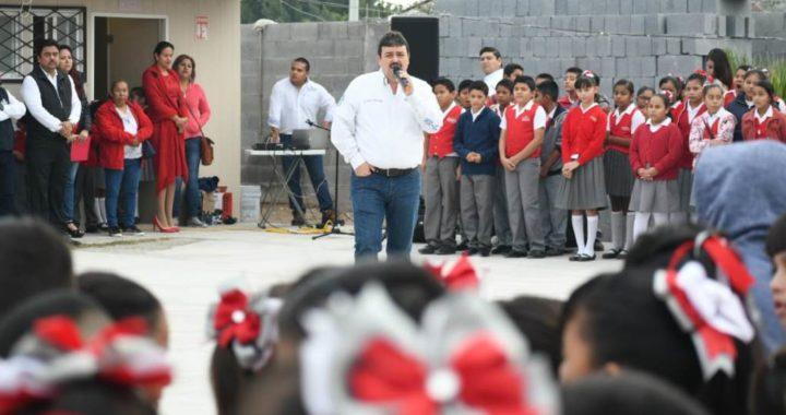 Anuncia Carlos Ulivarri construcción de techumbre en la NISSAN #79