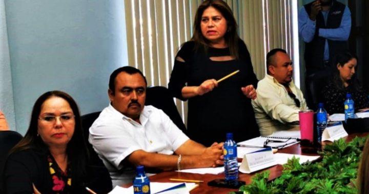 Regidora Marta Escalón durante sesión de cabildo señala a síndico que cobra sin trabajar