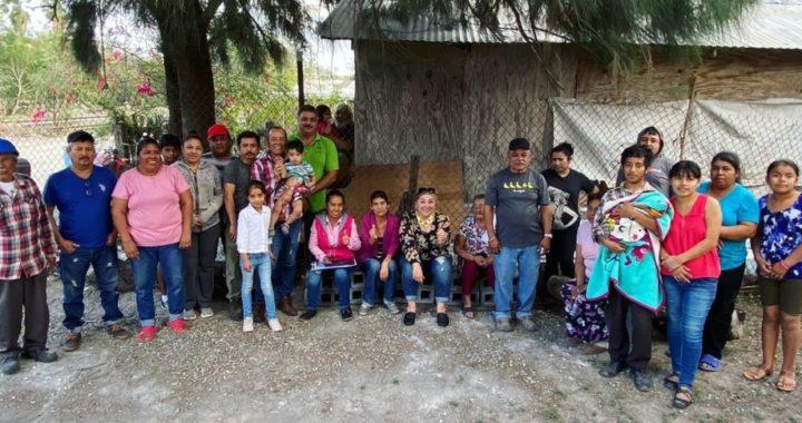 Visita Adriana Lozano la colonia Vía Nacional de Matamoros