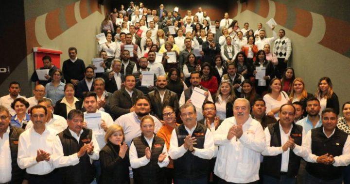 Capacita SNTE a nuevos comités de inglés y entrega mil 337 nombramientos