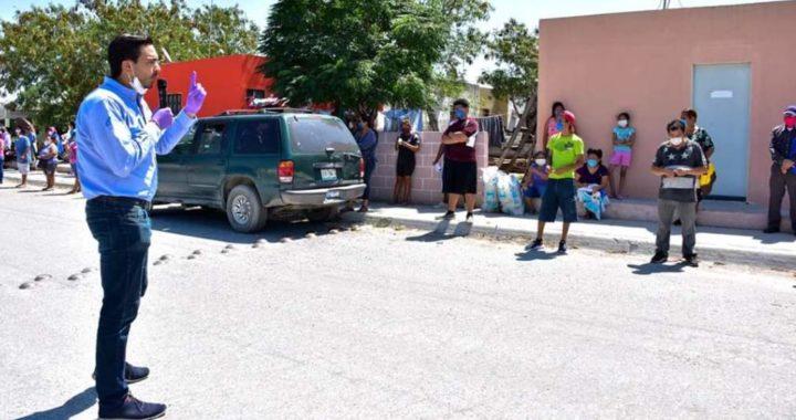 Personal del Voluntariado DIF continúa con la entrega de productos alimenticios y kits de limpieza a adultos mayores, enfermos y personas sin empleo